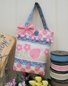 The Rivendale Collection by Sally Giblin - Betsy Bug Bag Pattern