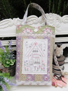 The Rivendale Collection by Sally Giblin - Button Shoppe Bag Pattern