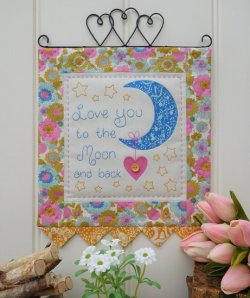 The Rivendale Collection by Sally Giblin - Moon and Back - Wall Hanging Pattern
